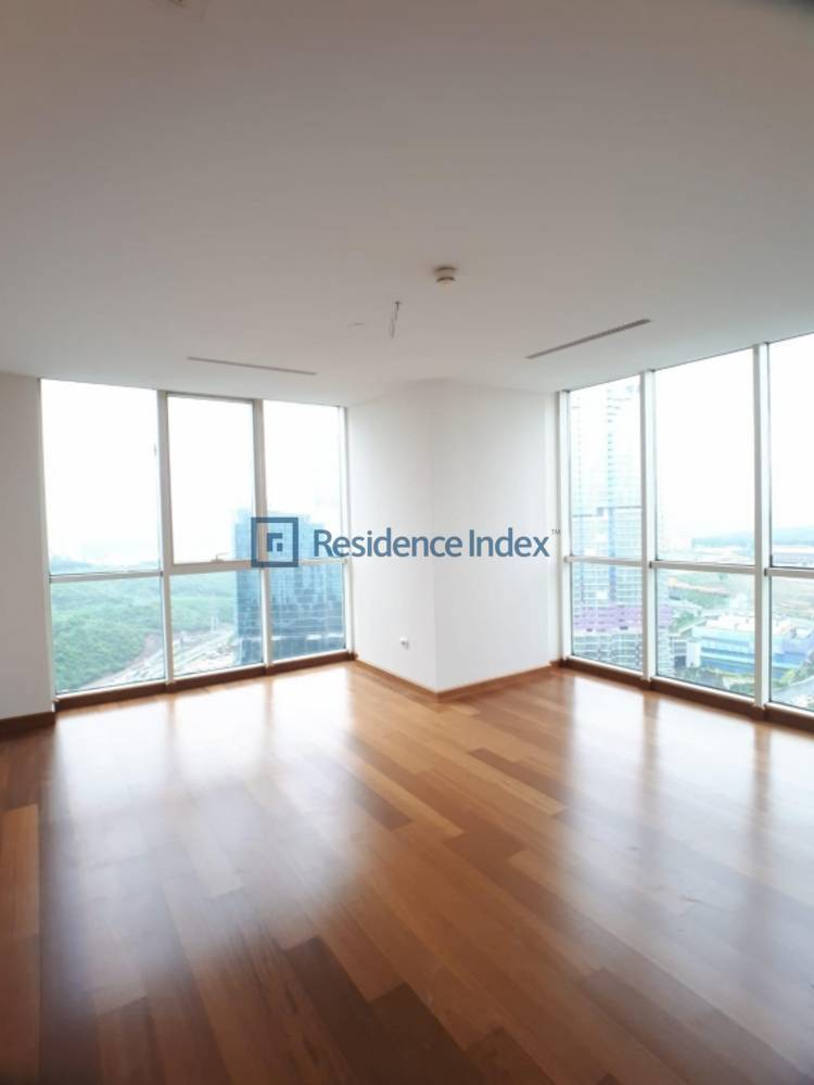 For Sale 3 + 1 High Floor Spacious Apartment