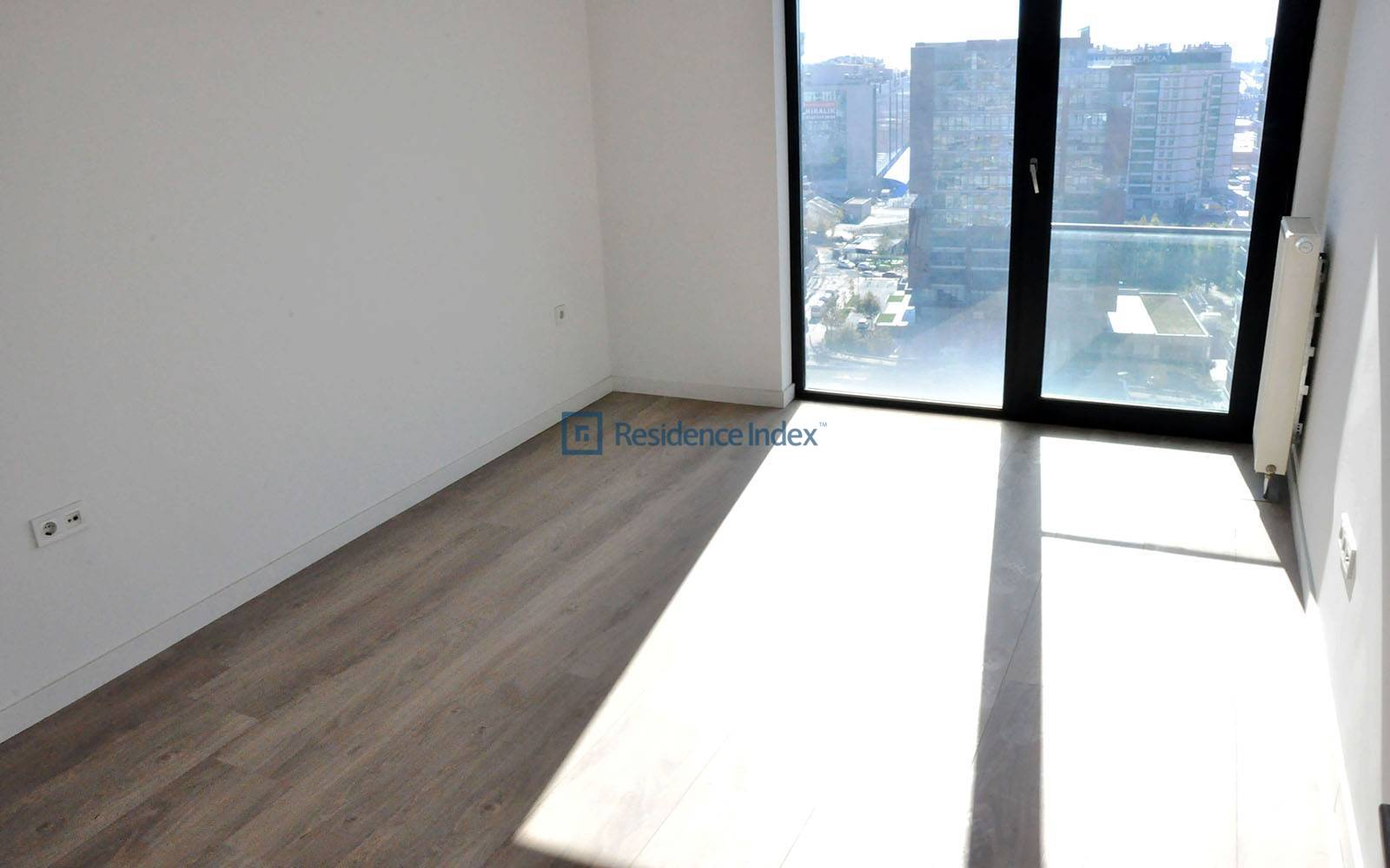 For sale 4 + 1 220 m2