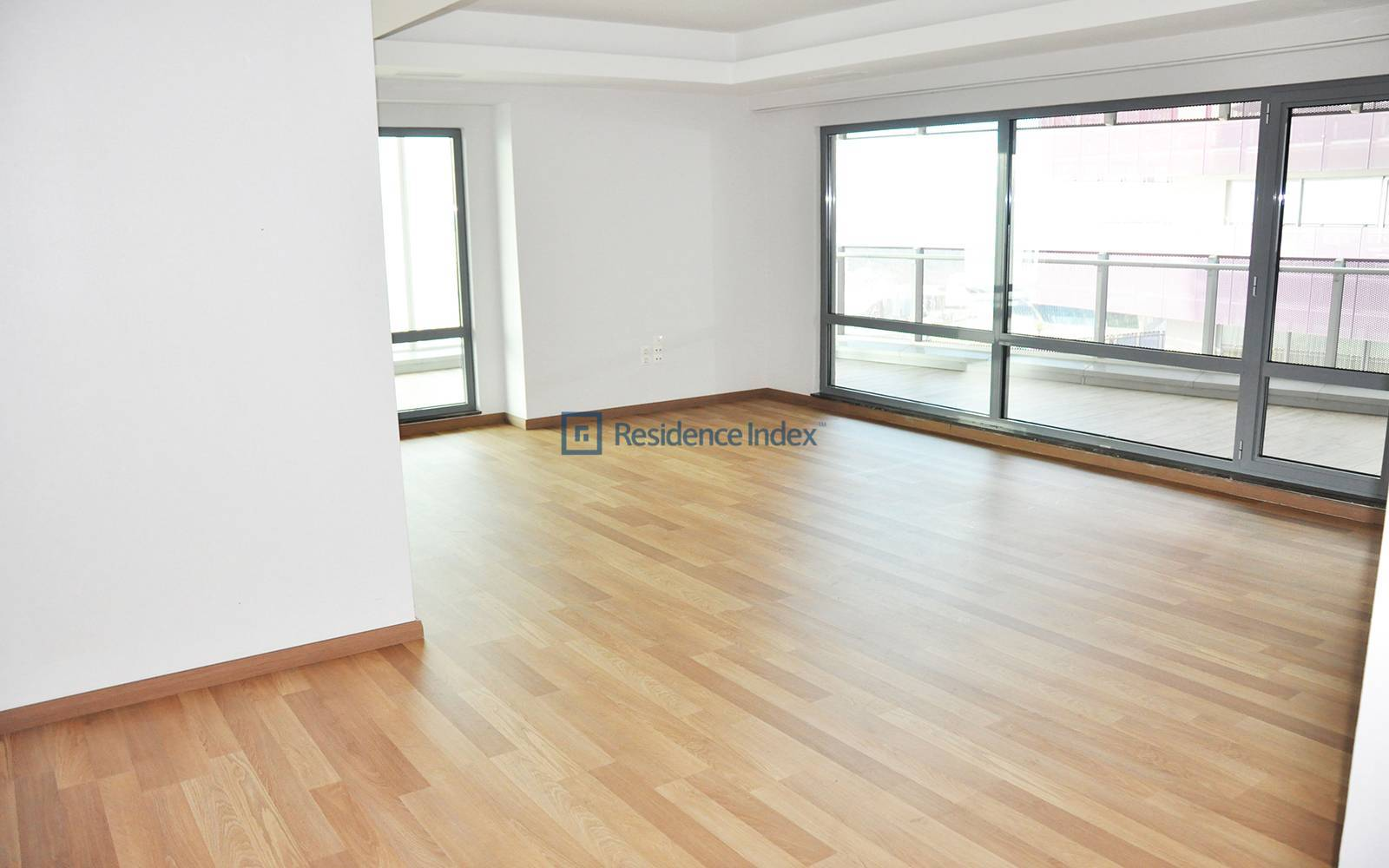1453 Maslak - 3 + 1 Opportunity Apartment