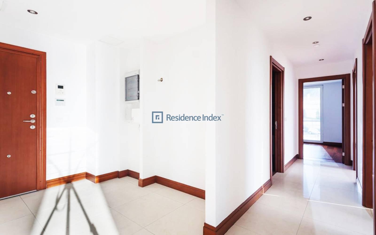 Type Low Floor 170 m2