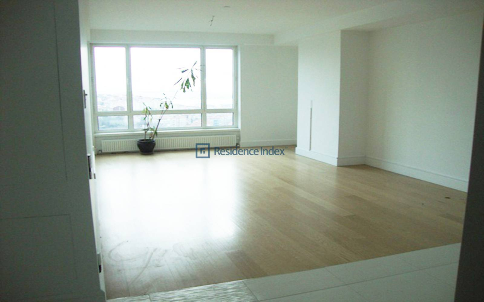 Selenium Twins - 1 + 1 For Rent in a Central Location