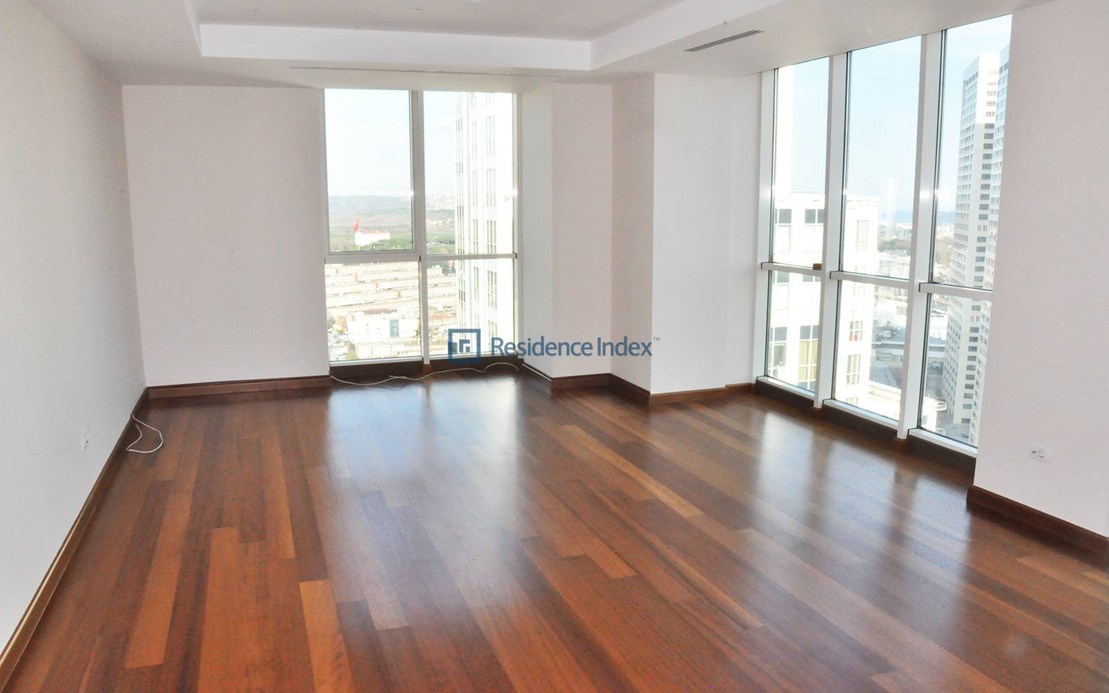 3 + 1 Apartment For Rent In Mashattan High Floor