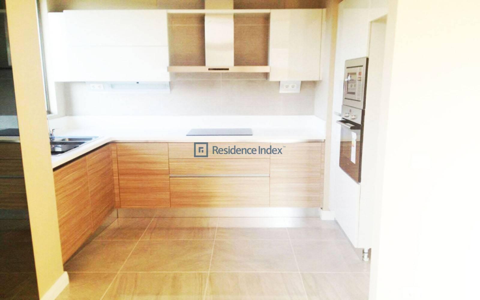 High Floor 1 + 1 Room For Rent