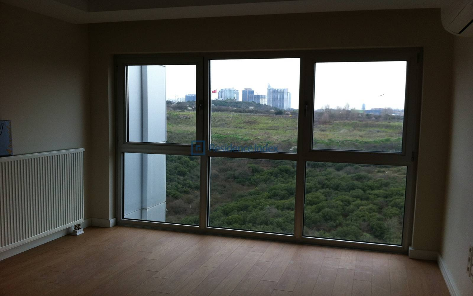 1 + 1 Flat For Sale With Forest Front