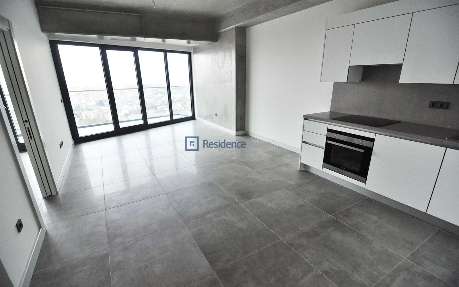 Sinpaş Queen Central Park - 1 + 1 Apartment for Sale with Golden Horn View