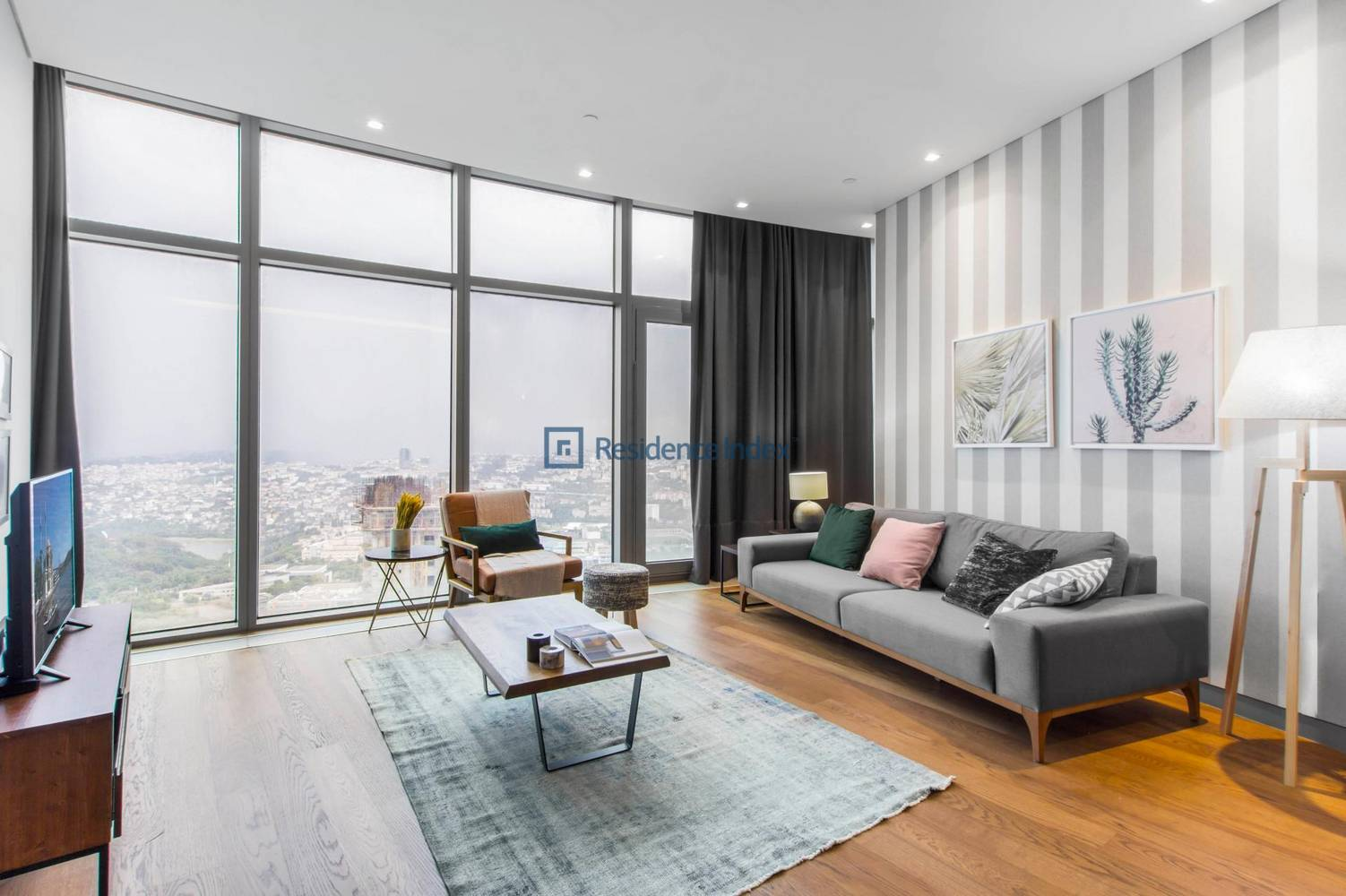 Spine Tower - High Floor For Rent 2 + 1
