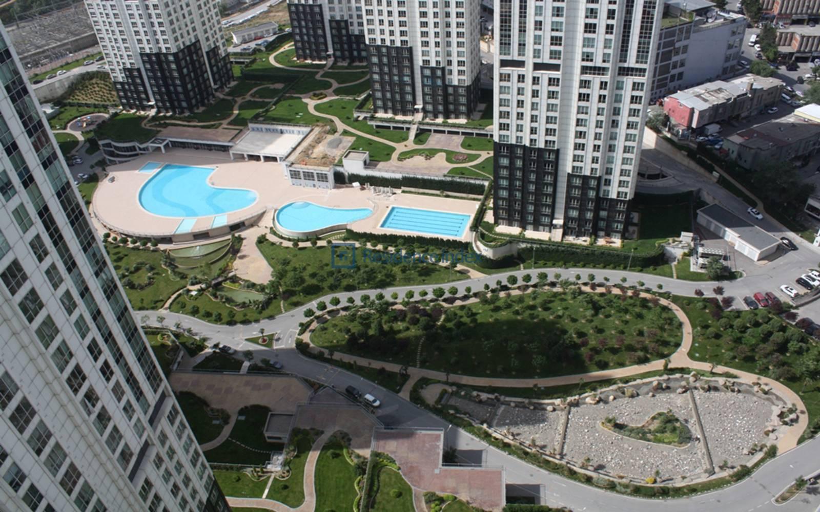 4 + 1 255 Square Meters High Floor