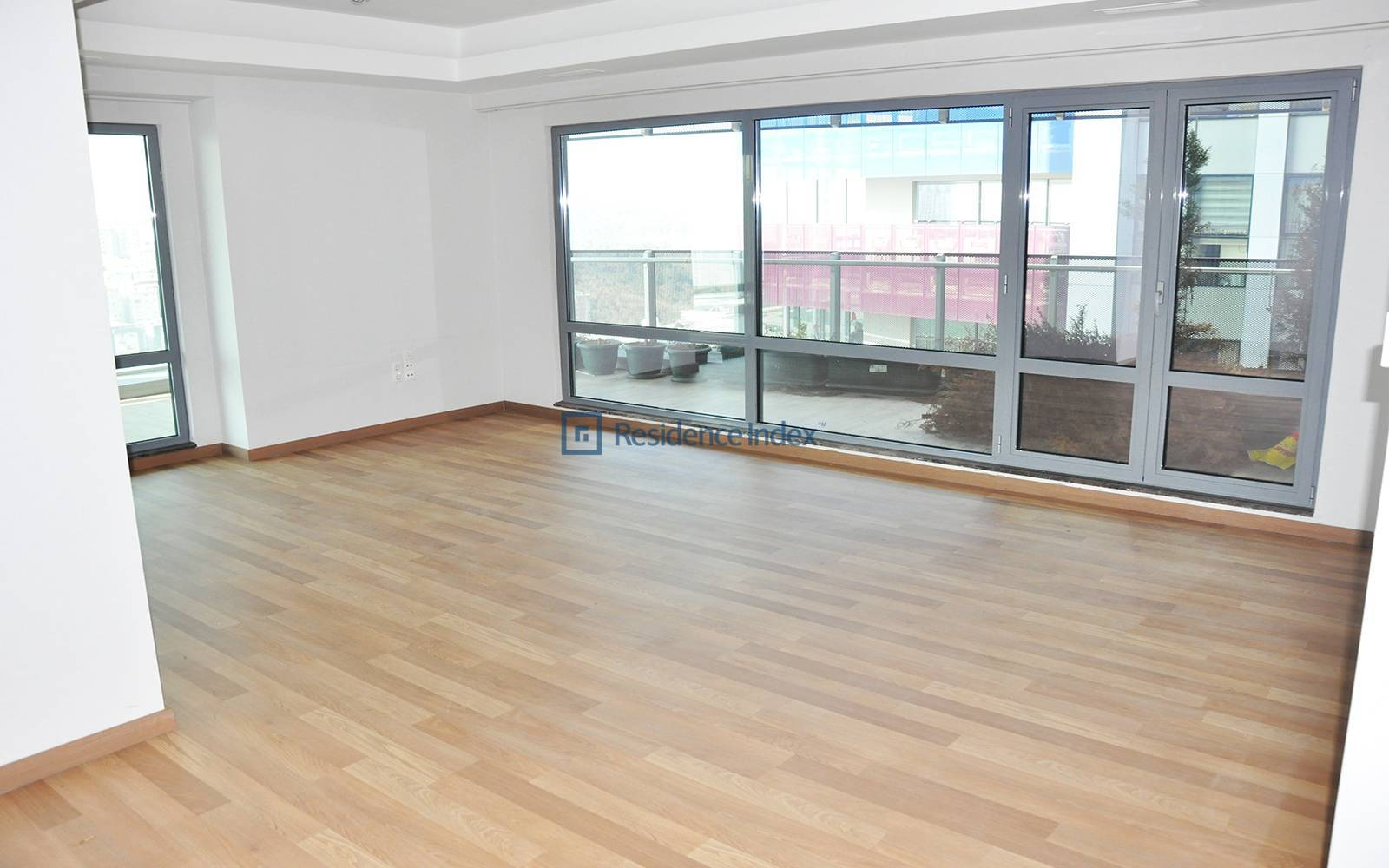 1453 Maslak - 3+1 Flat for Sale in Excellent Location