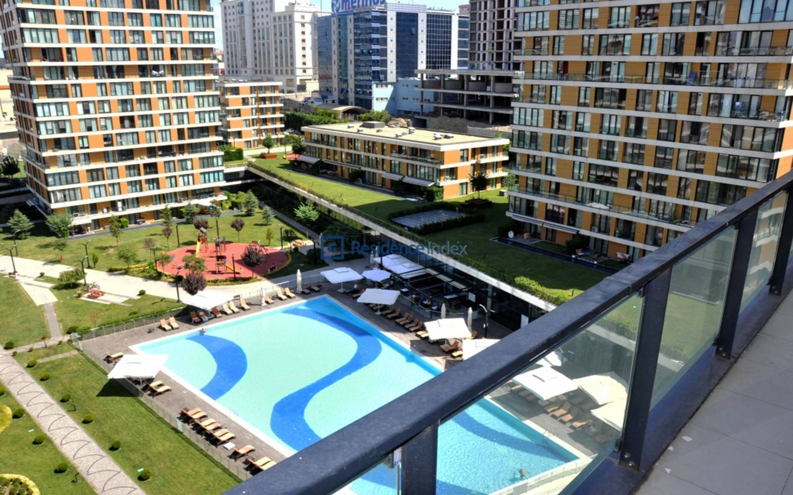 İstwest - 4 + 1 Apartment with Pool View