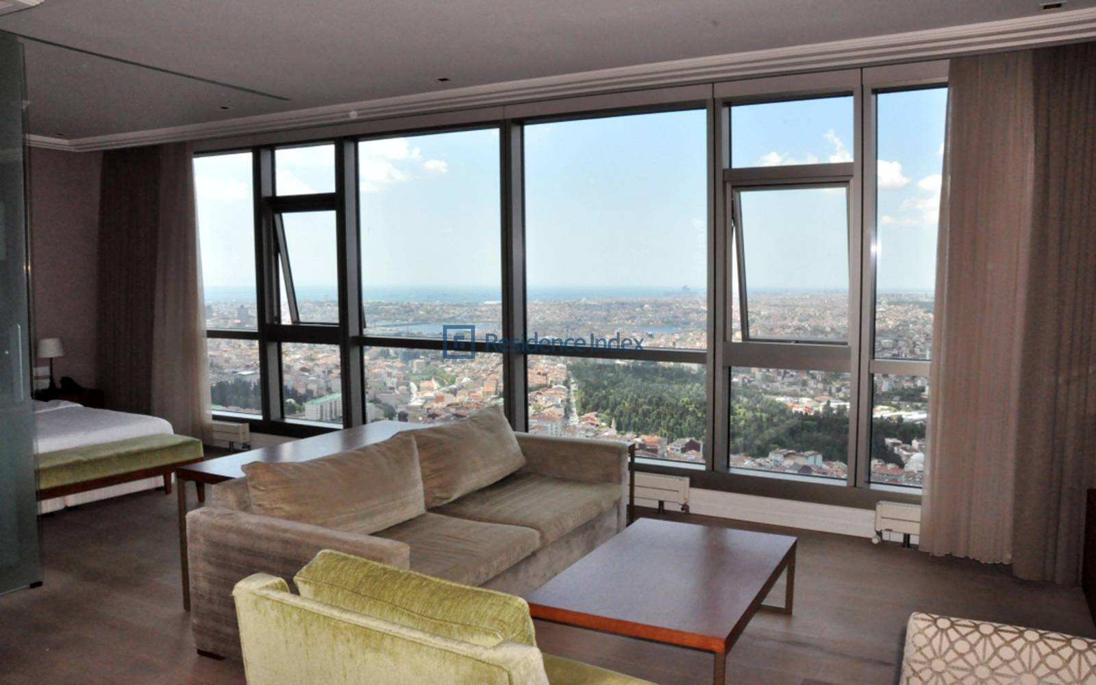1 + 1 Apartment with Bosphorus View on the High Floor