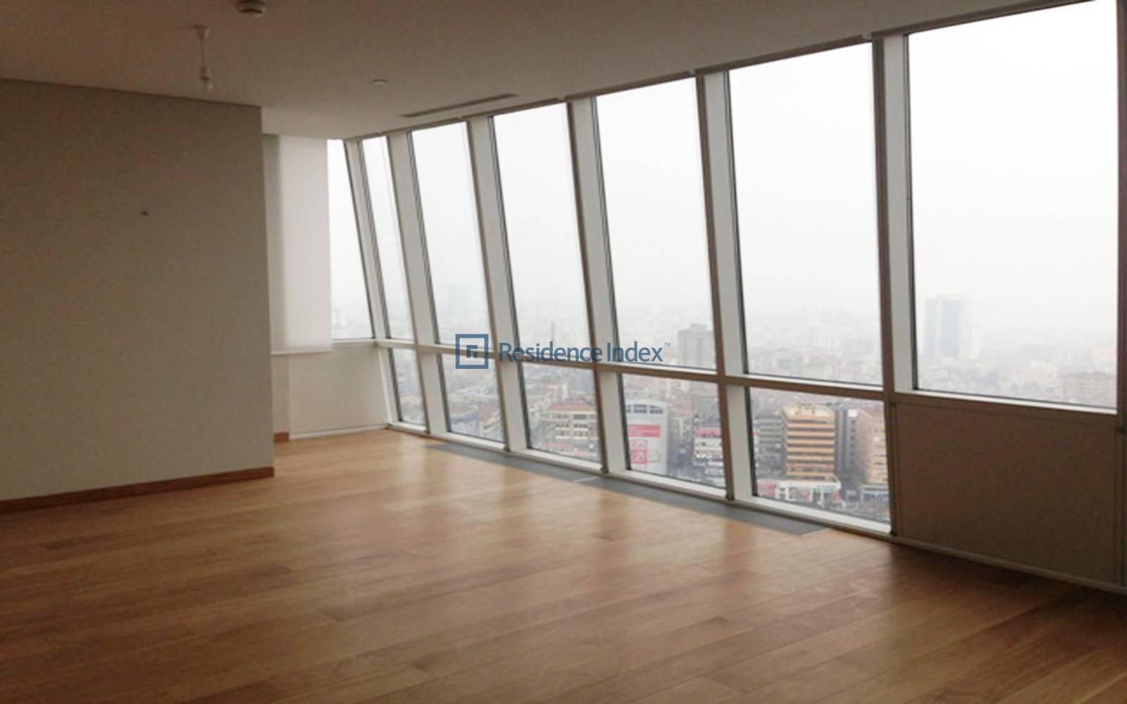 Trump Towers - Good Location 1 + 1 Apartment on a High Floor